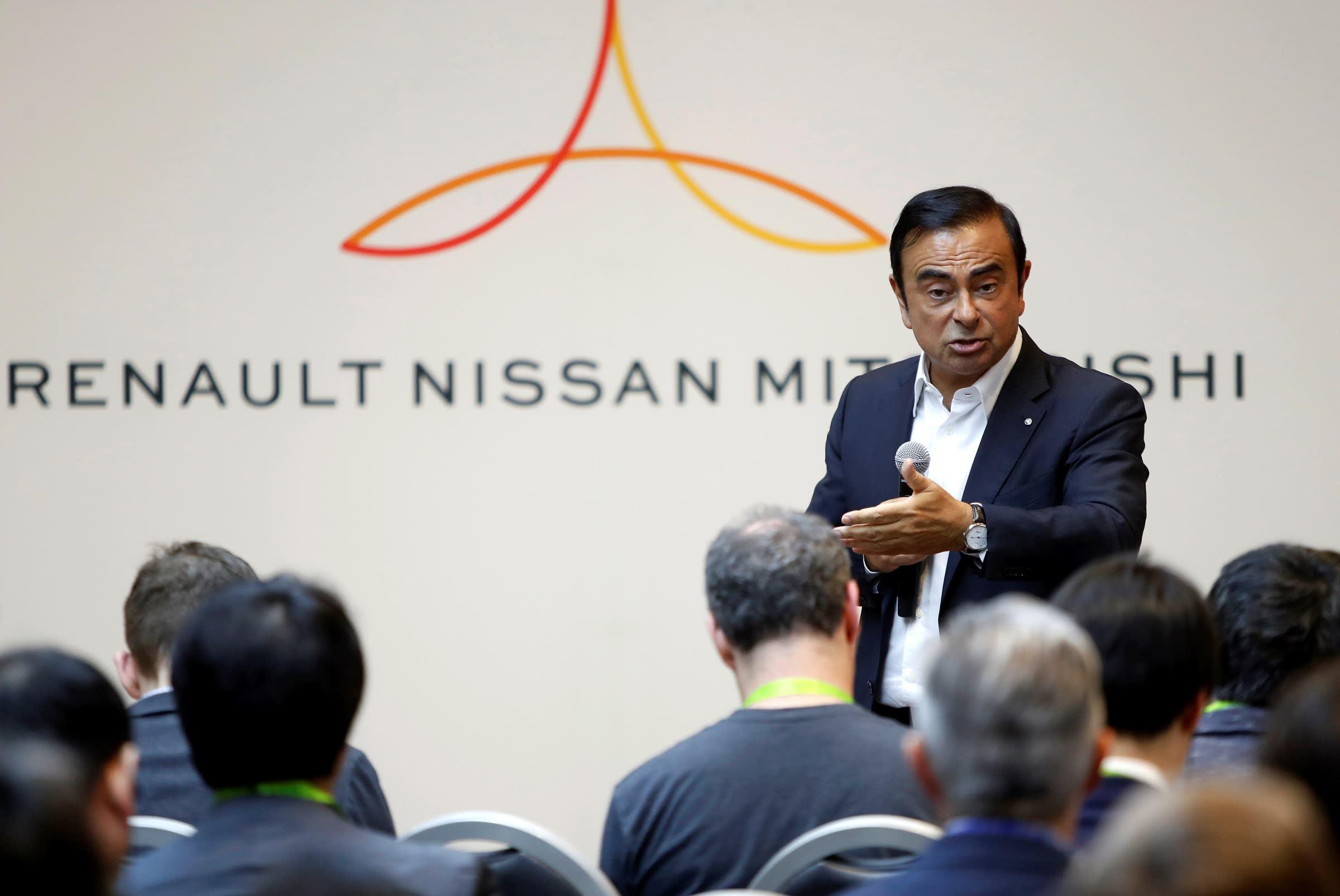 Carlos Ghosn usava o dinheiro da Nissan para comprar casas