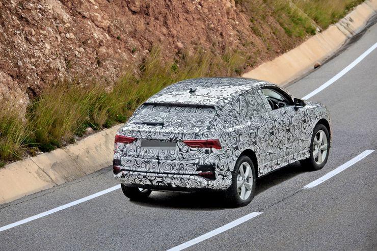 Novas imagens do Audi Q4 em testes