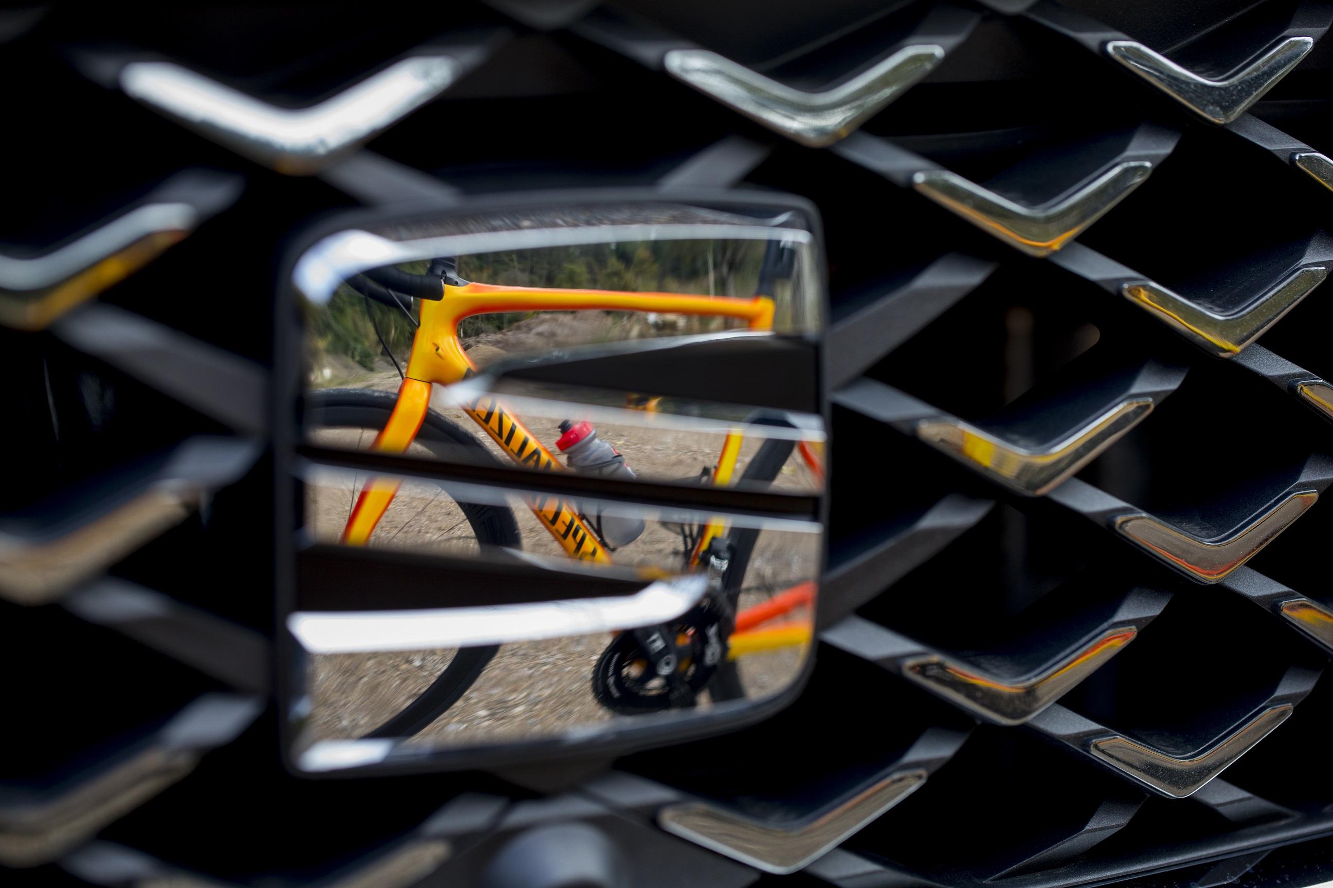 Seat Tarraco protege os ciclistas detetando-os à distância