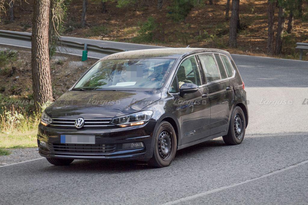 Volkswagen Variosport vem tomar o lugar do Tiouran e Golf Sportsvan