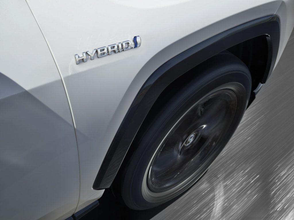 a1b9111a-2019-toyota-rav4-hybrid-47
