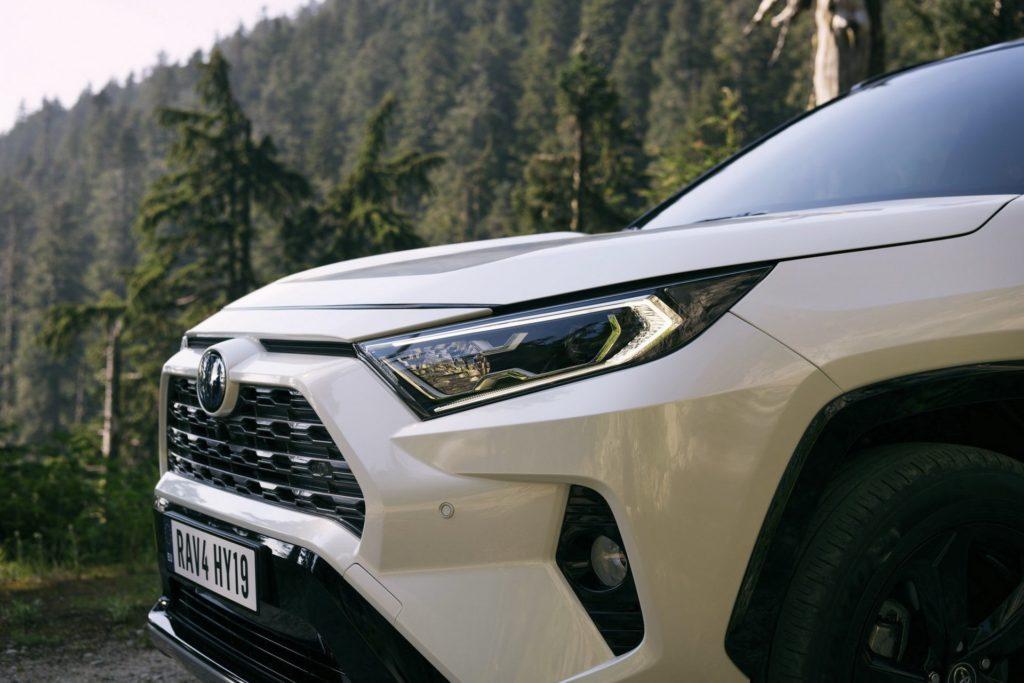 e1cd13ed-2019-toyota-rav4-hybrid-49