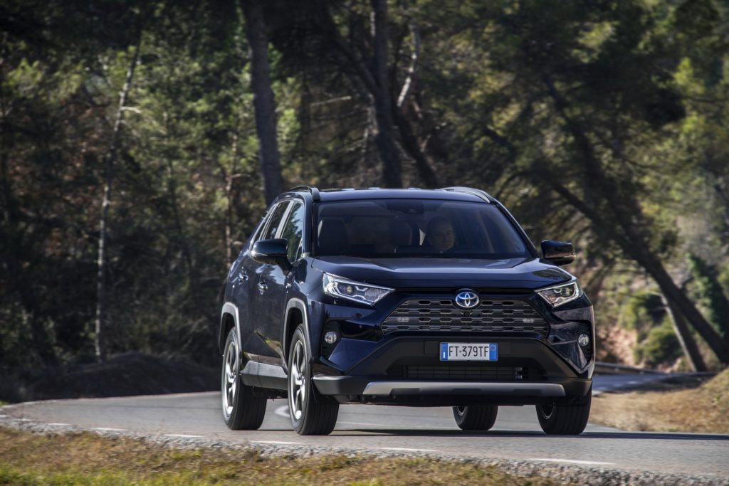 ecc5fd51-2019-toyota-rav4-hybrid-13