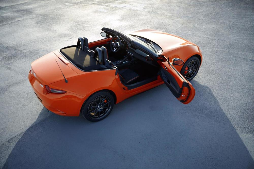 02 – 2019_MX-5 30th Anniversary Edition_SoftTop