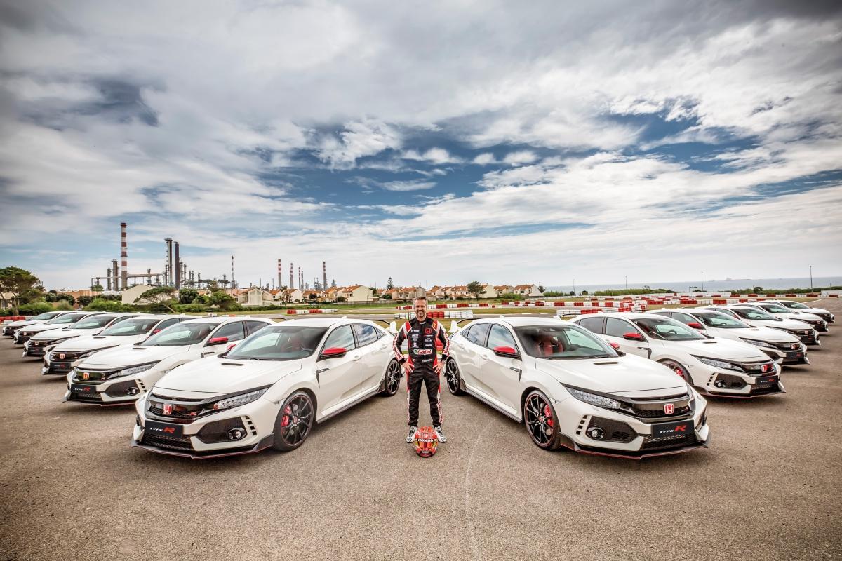 Honda Civic Type R #18 Tiago Monteiro Edition esgotada!