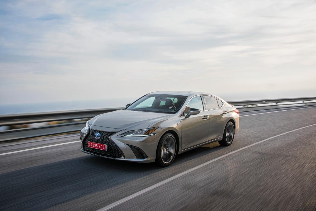 Primeiro ensaio Lexus ES300h: um excelente automóvel com a CVT de sempre