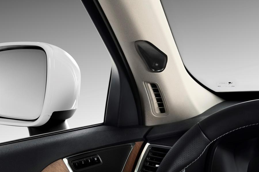 Volvo vai monitorizar o condutor para evitar acidentes por distração ou embriaguez