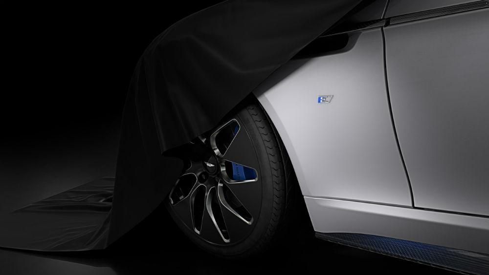 James Bond passa a espalhar charme… de Aston Martin elétrico