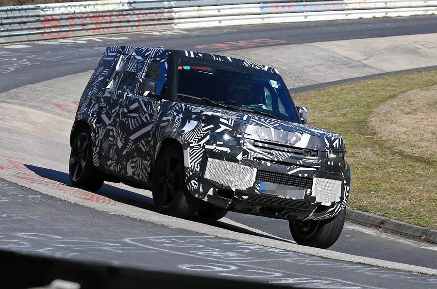 "Land Rover Defender ""apanhado"" a testar no Nurburgring"