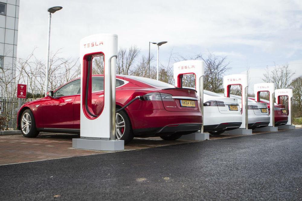 Tesla ultrapassou os 100 mil milhões de dólares de valor de mercado