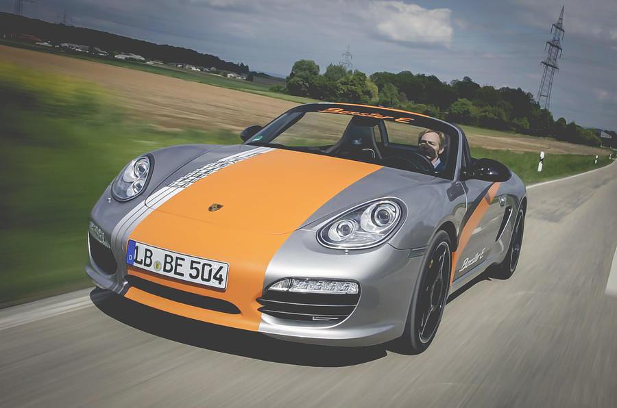 Porsche avança com versões híbridas e elétricas para a gama 718 Boxster e Cayman