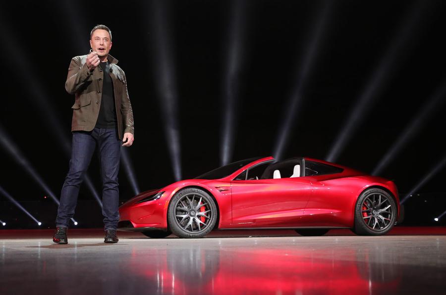 Elon Musk afirma que a Tesla terá robotáxis na estrada em 2020