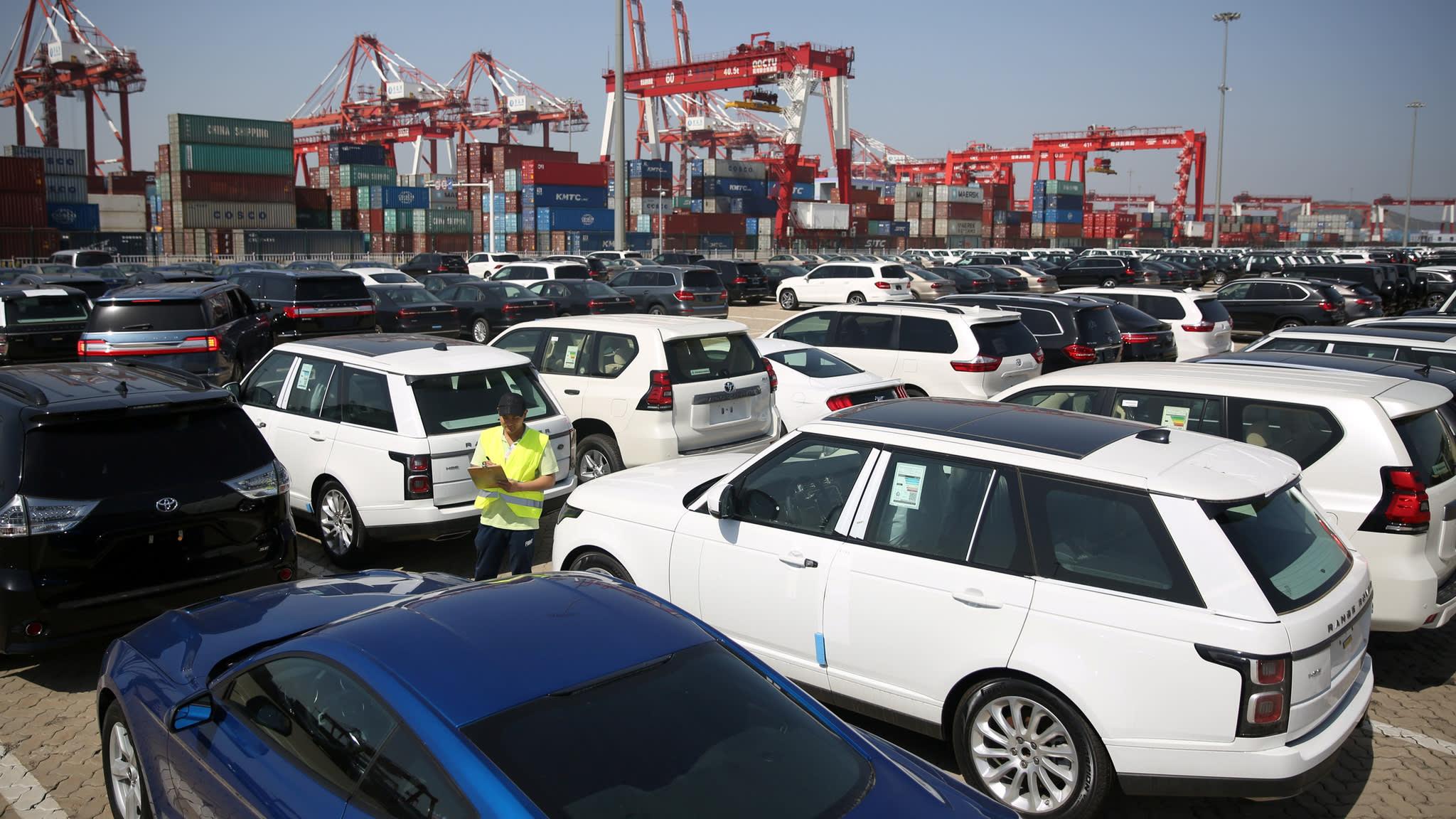 Mercado chinês em queda abrupta, construtores apelam a Pequim para mudanças