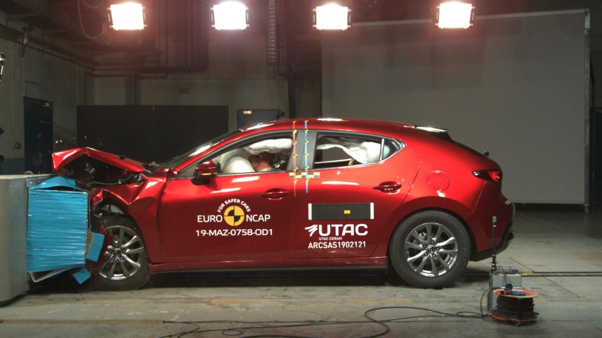 Renault Clio, Mazda 3 e Audi e-tron conquistam 5 estrelas EuroNCAP