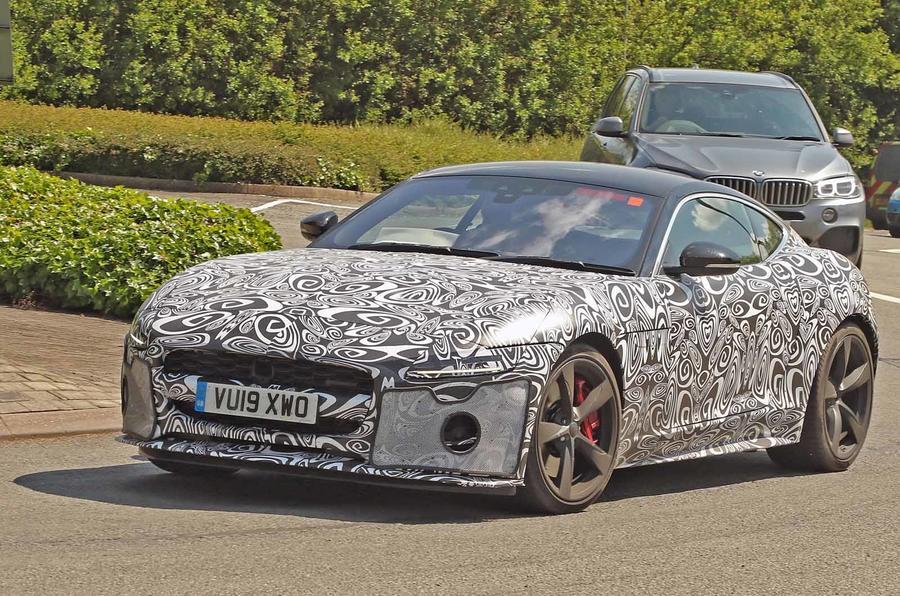 Jaguar prepara renovado F-Type para 2020