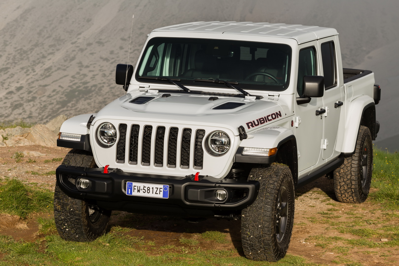 Jeep Gladiator chega à Europa em 2020 com motor V6 diesel