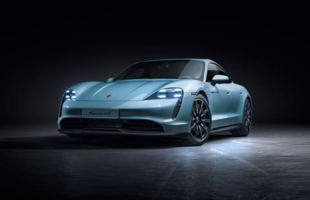Porsche Taycan S serve de acesso á gama elétrica a partir de 110.128€