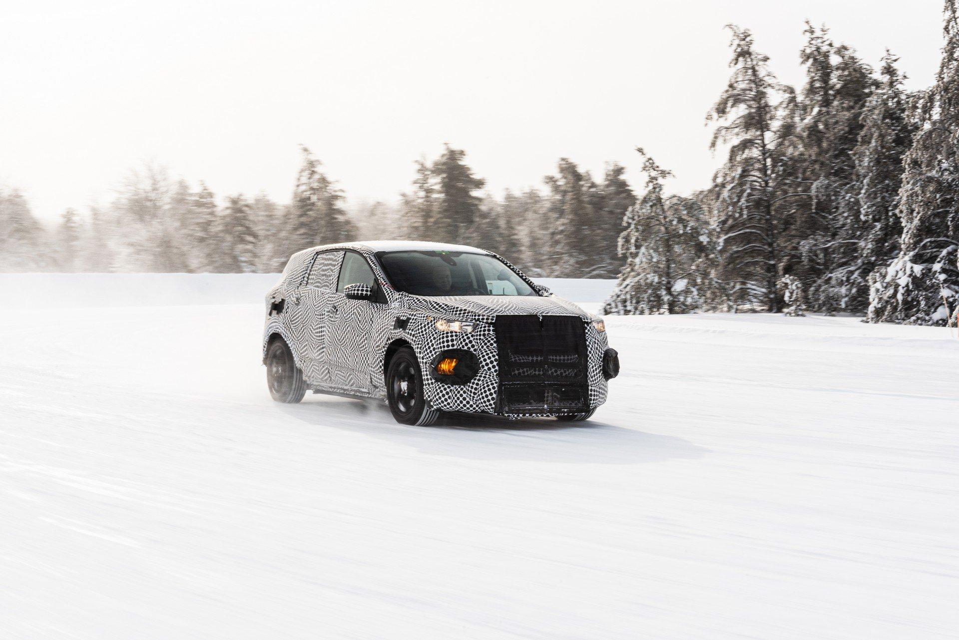 Ford vai oferecer dois anos de carregamentos no seu novo SUV elétrico