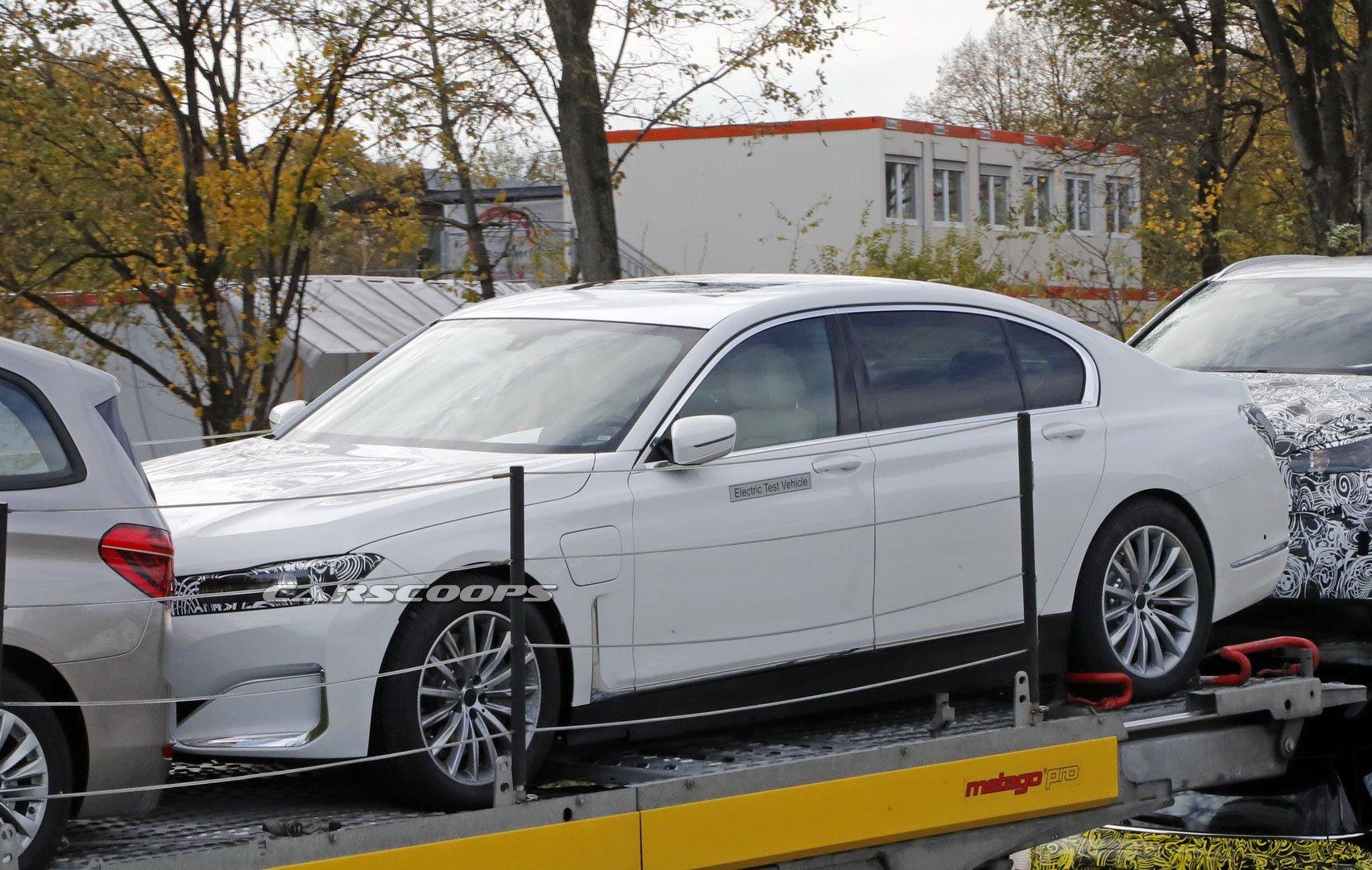 BMW Série 7 vai ser eletrificado e passa a chamar-se i7