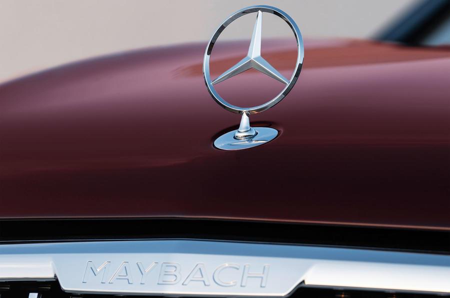 Daimler reduz equipa de gestão da Mercedes para maior eficiência