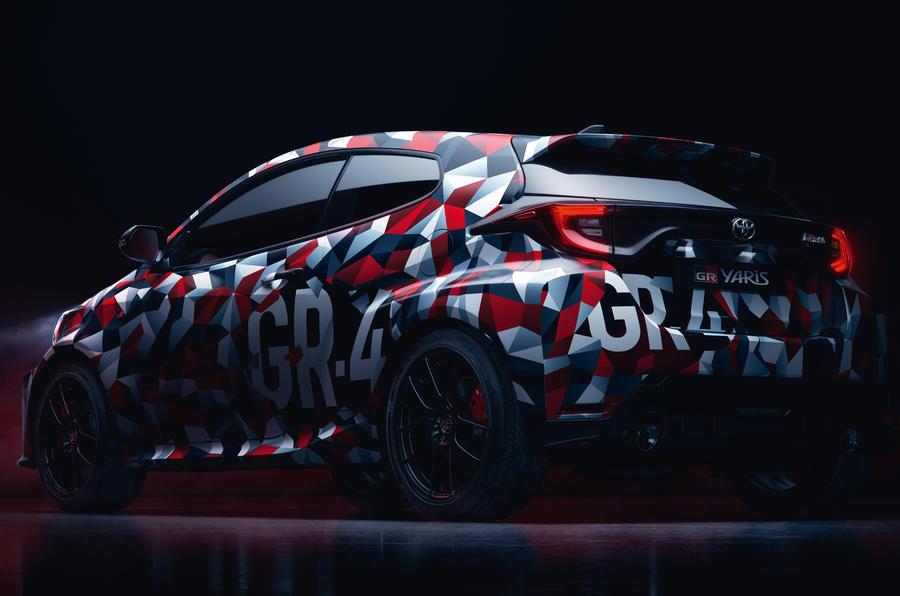 Aqui estão as imagens do Toyota Yaris GR-4 que será revelado em janeiro