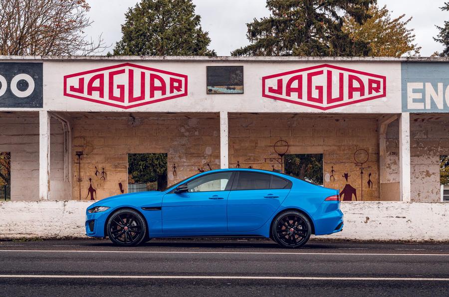 Jaguar lança série especial do XE denominada Reims Edition