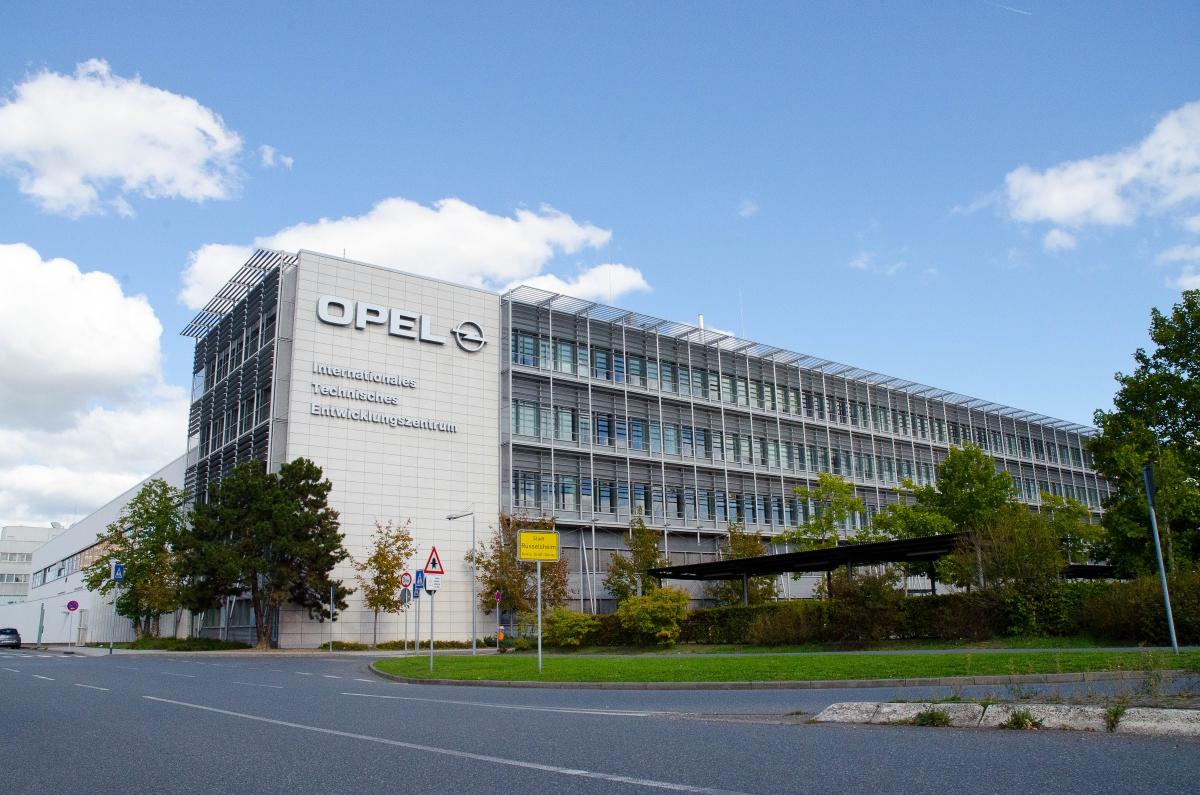 União Europeia aprova ajuda à Opel para fabricação de baterias