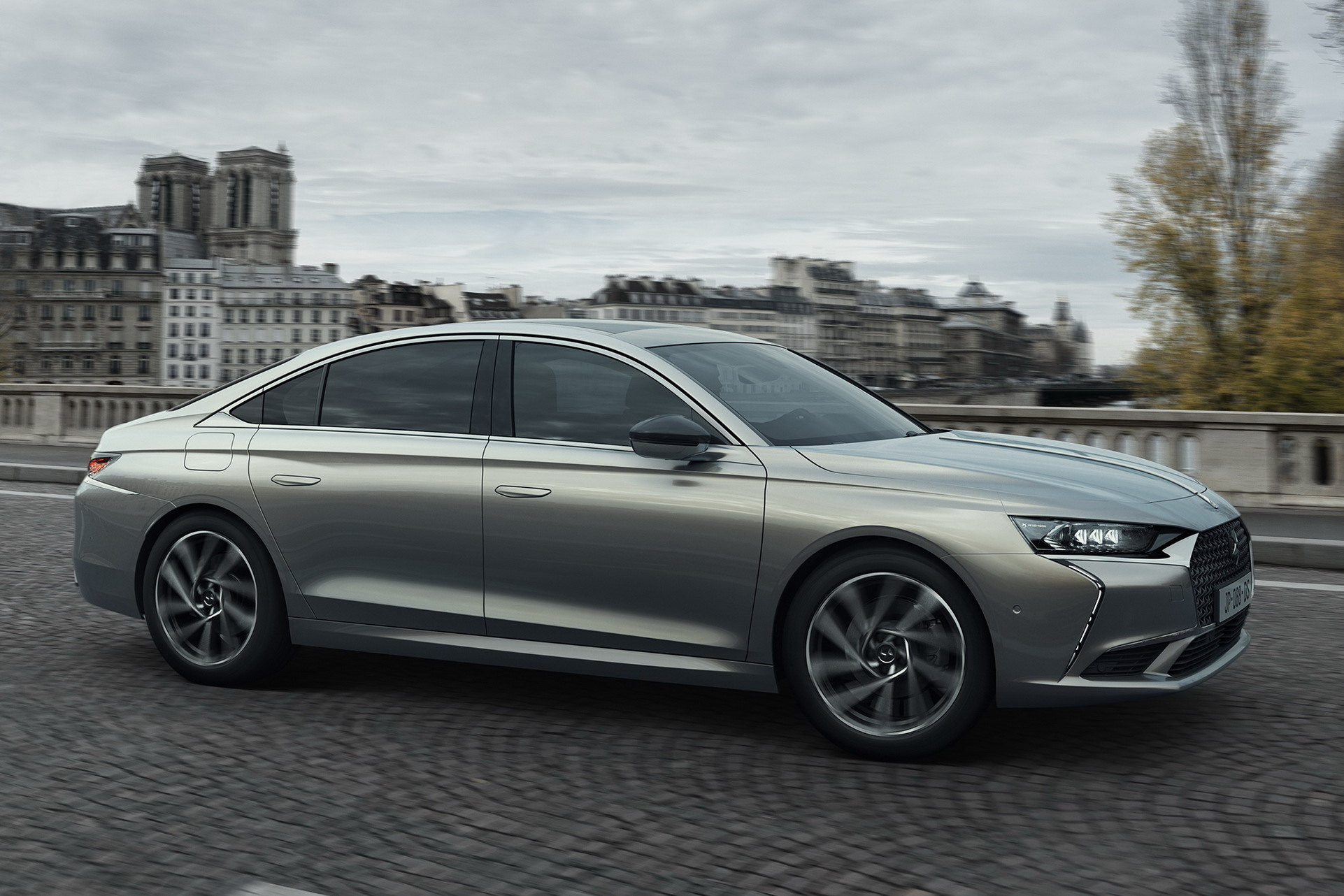 DS 9 é o novo modelo topo da gama da marca de luxo da PSA