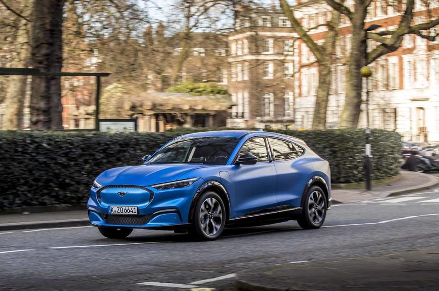 """Ford Mustang Mach-E foi lançado na Europa em Londres num """"roadshow"""""""