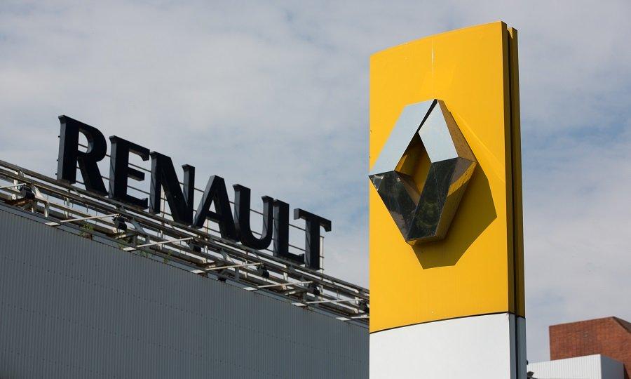 Renault vê notação de crédito descer após um ano desastroso