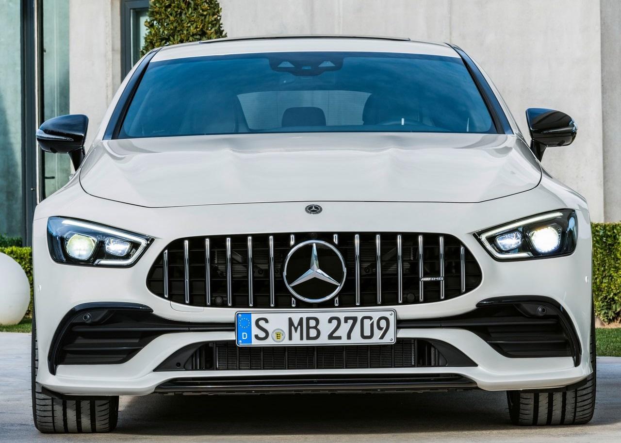 Mercedes mantém operação comercial ativa através de vendas online