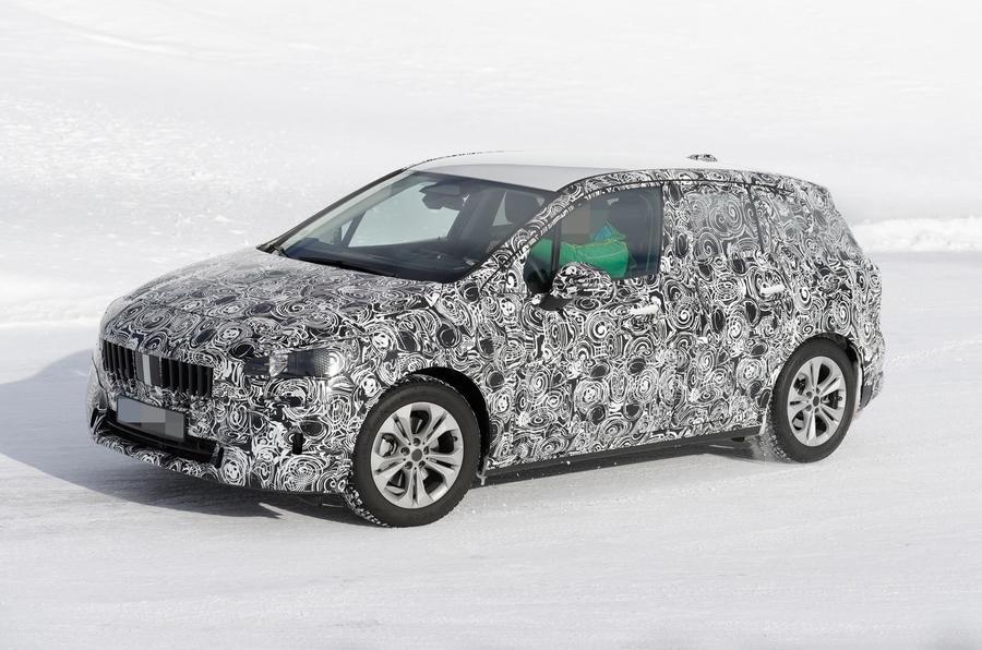 BMW Série 2 Active Tourer começa a perder camadas de camuflagem